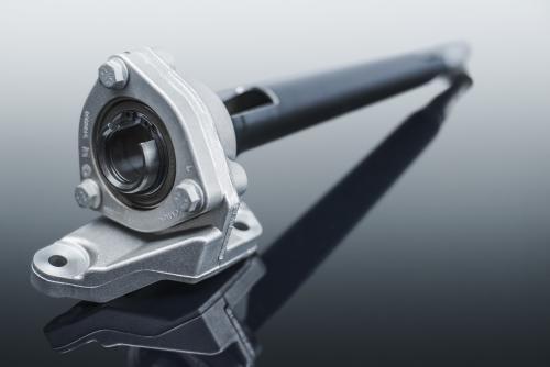 Mubea Antriebswellen übertragen höchste Drehmomente im Antriebsstrang von Fahrzeugen und werden als gewichtsoptimierte Hohlwelle auf die Kundenvorgaben für Betriebsfestigkeit ausgelegt.