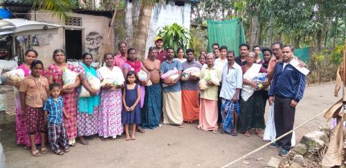 Jahrhundertflut in Kerala - Grundlage zum Überleben
